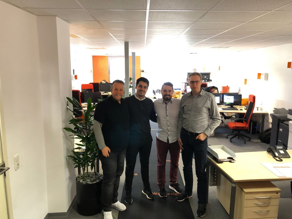 Kollegen-Besuch bei team digital, seolyze.de, Google-Ads, Facebook-Marketing und viel spannende Themen wurden besprochen.