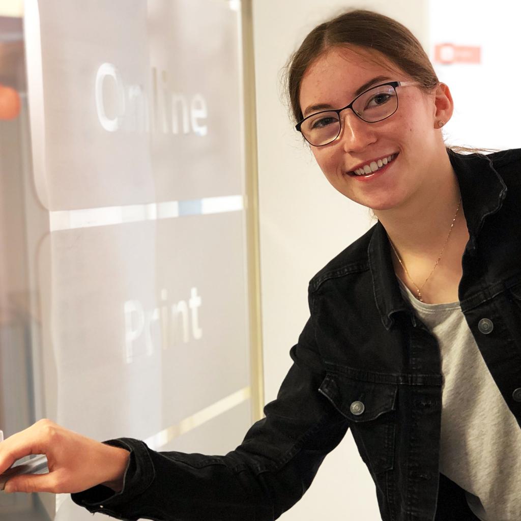 Laura Etling – Auszubildende bei team digital